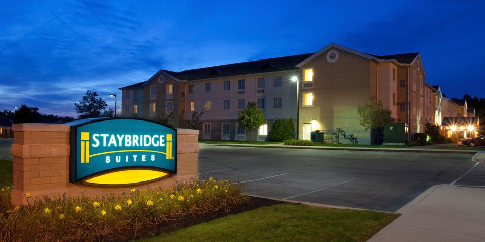 The Staybridge Suites Mayfield Heights hotel