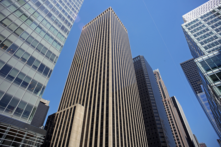 1133 Avenue of the Americas (courtesy of The Durst Organization)