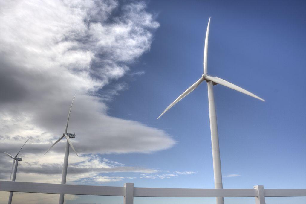U.S. wind turbines (courtesy of America Wind Energy Association)