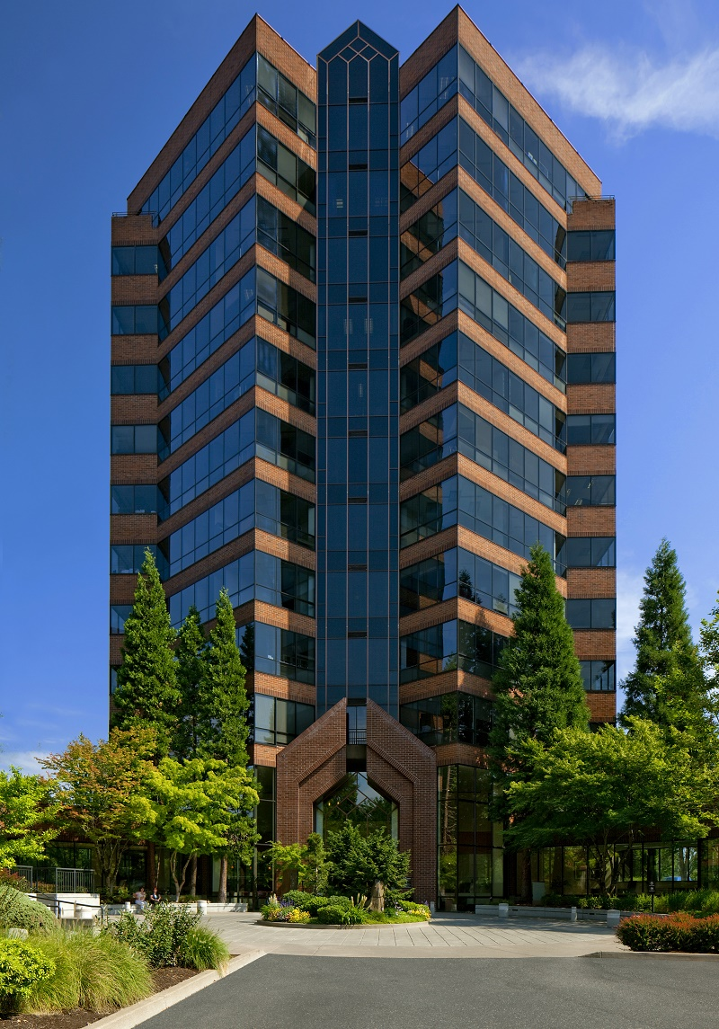 Shorenstein's Lincoln Center Tower in  Portland, Ore.,  used the LEED Dynam Plaque building and monitoring scoring platform.