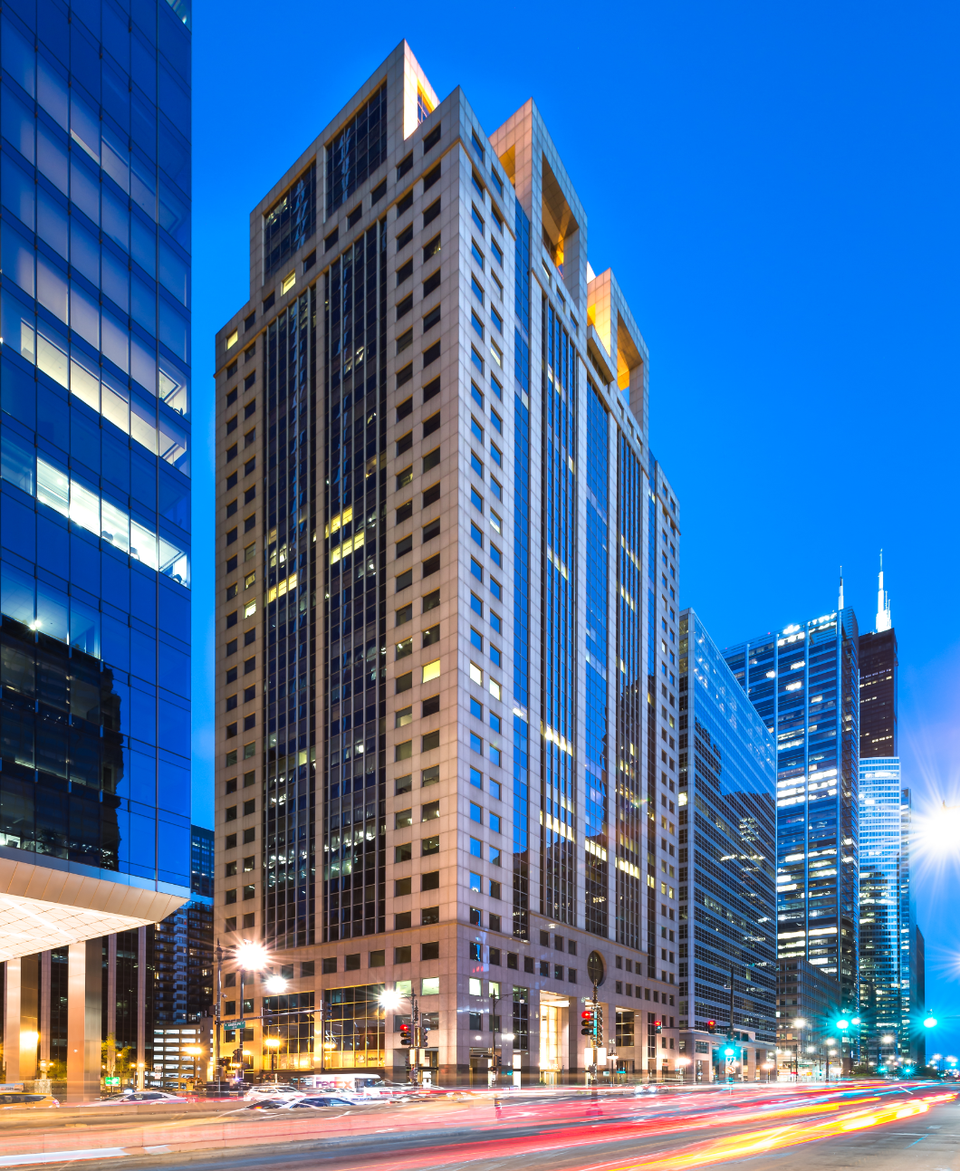 123 N. Wacker Drive, recently acquired by LaSalle Investment Management.