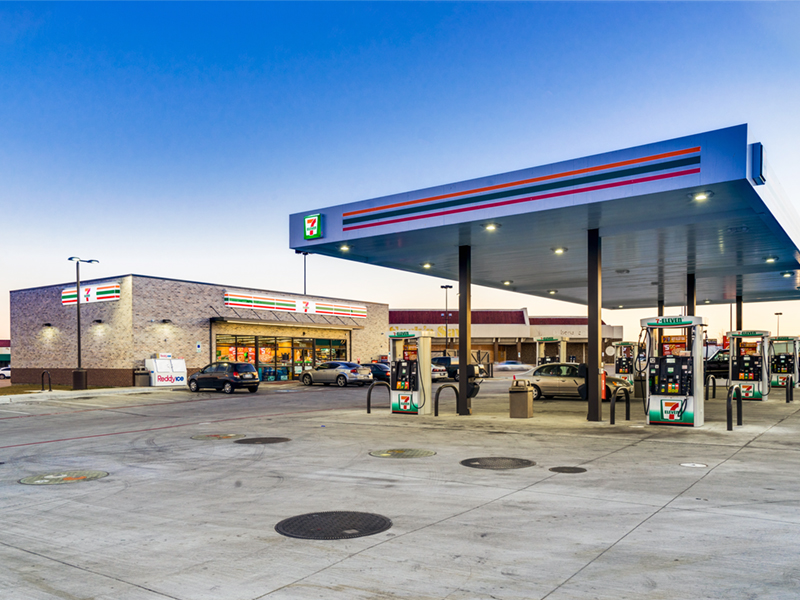 Sands Investment Group arranged financing for the buyer of this triple-net-leased 7-Eleven in Fort Worth, Texas. Because only six years were left on the lease, the buyer had to agree to a 45 percent down payment. Image courtesy of Sands Investment Group