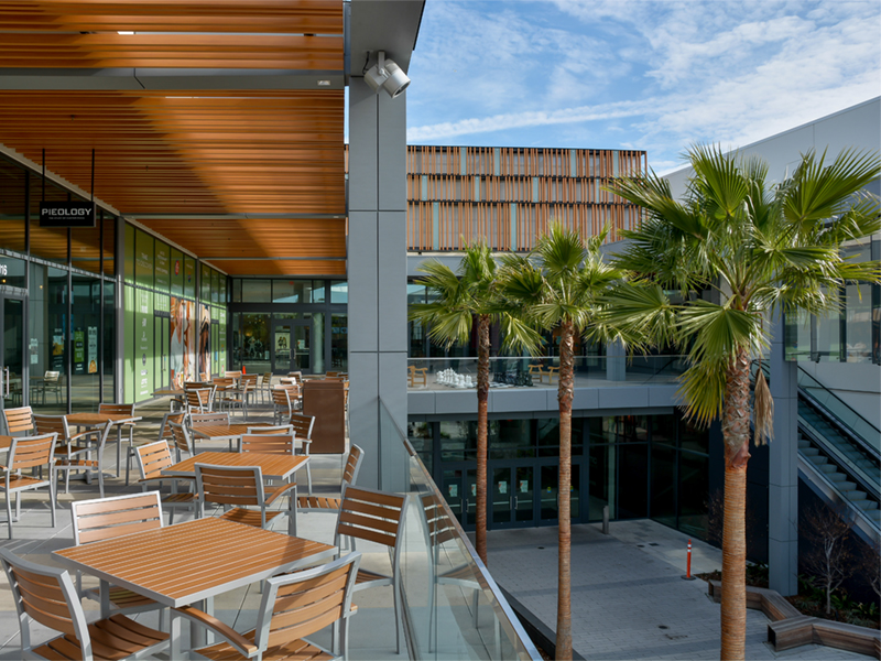 Rouse Properties' Newpark shopping center features a dining pavilion that fuses the indoors and out.