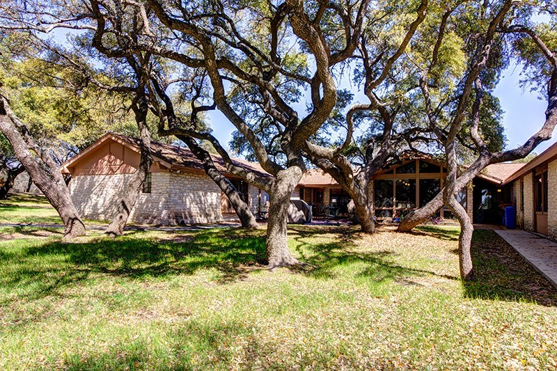 3035 W. Highway 290, Dripping Springs, Texas