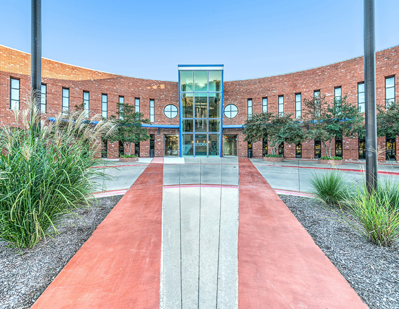 GEICO signed a 12-year lease within seven months of CenterSquare Investment Management's 2014 acquisition of a vacant, 229,000-square-foot office building in Richardson, Texas, 20 minutes northeast of Dallas. Courtesy of CenterSquare Investment Management