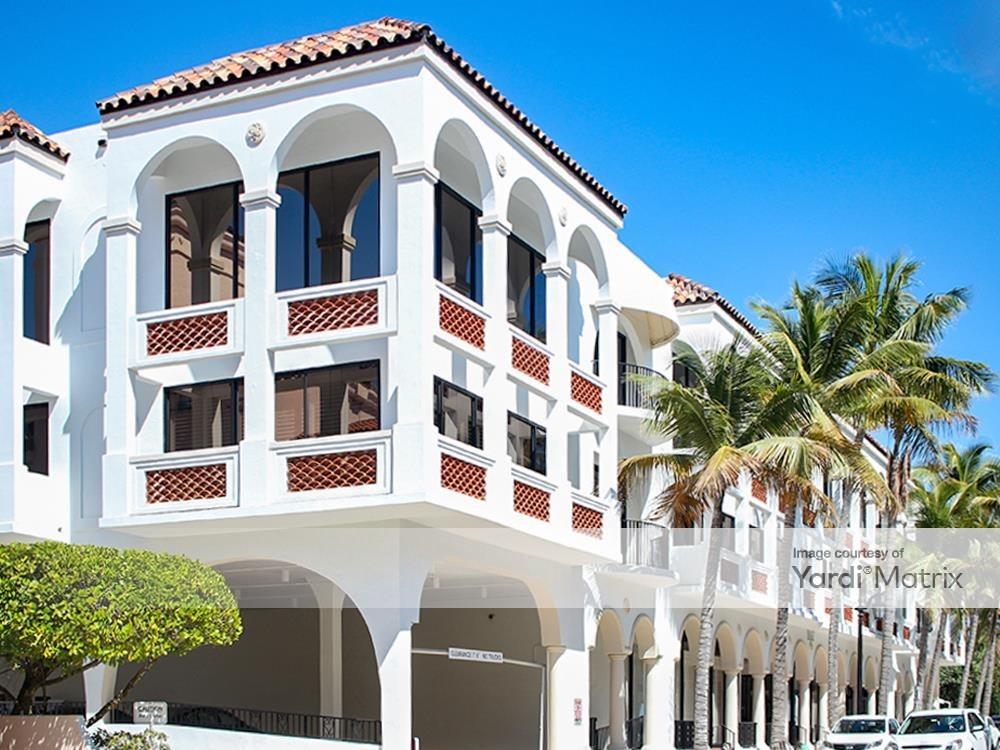 125 Worth Avenue in Palm Beach, Fla.