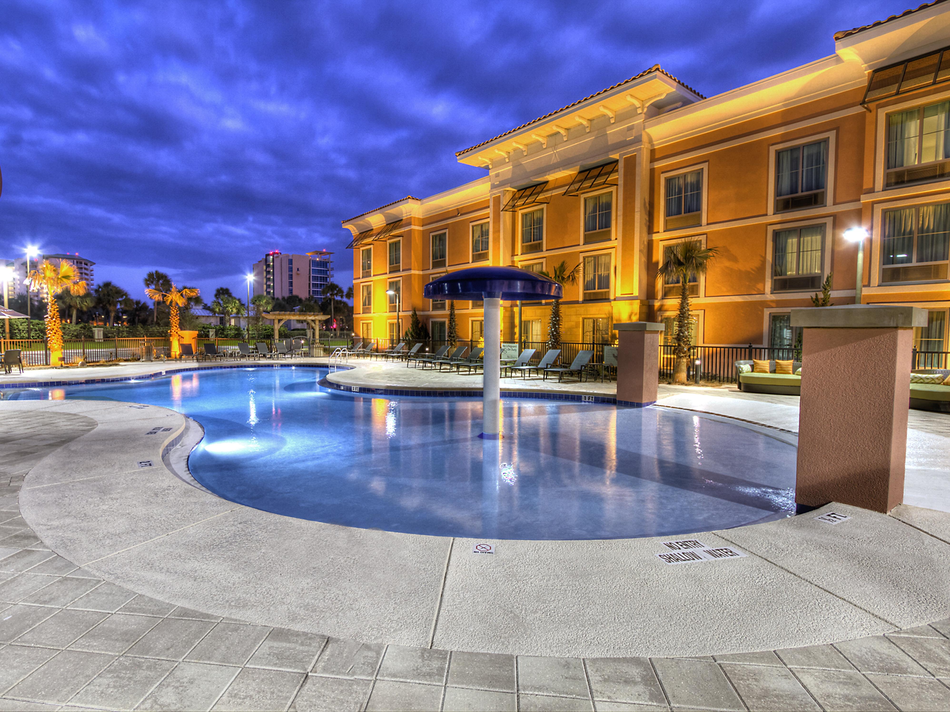 Hampton Inn & Suites Destin Pool
