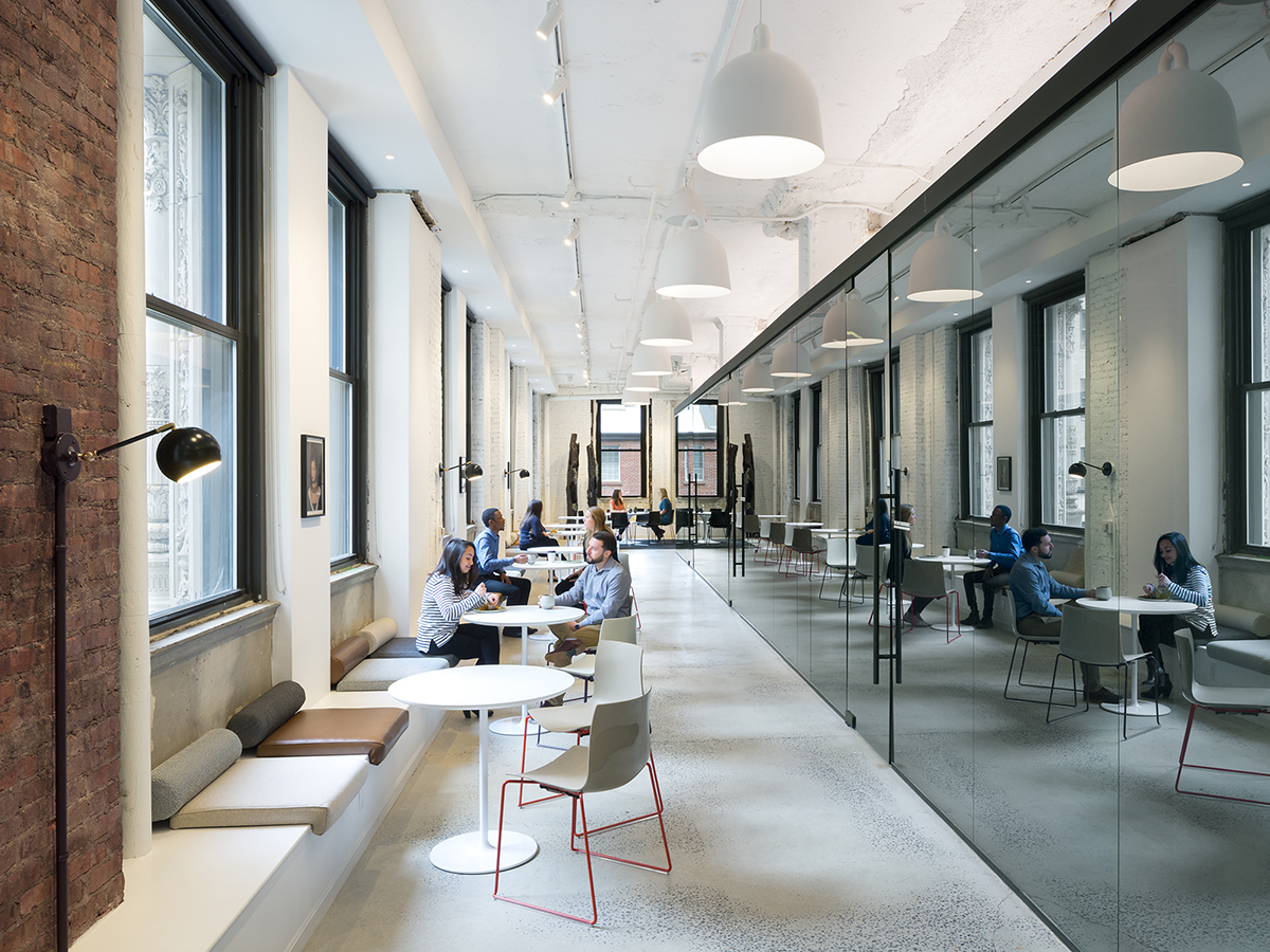 This Lower Manhattan workspace at 101 Greenwich is powered by state-of-the-art technology, offering four floors of meeting and event space, flexible-term workspace, a microbrew coffee shop and vertically-delivered food and beverage services
