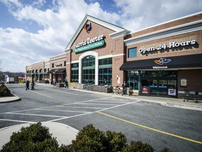 Shoppes of Foxchase. Image courtesy of First Washington Realty