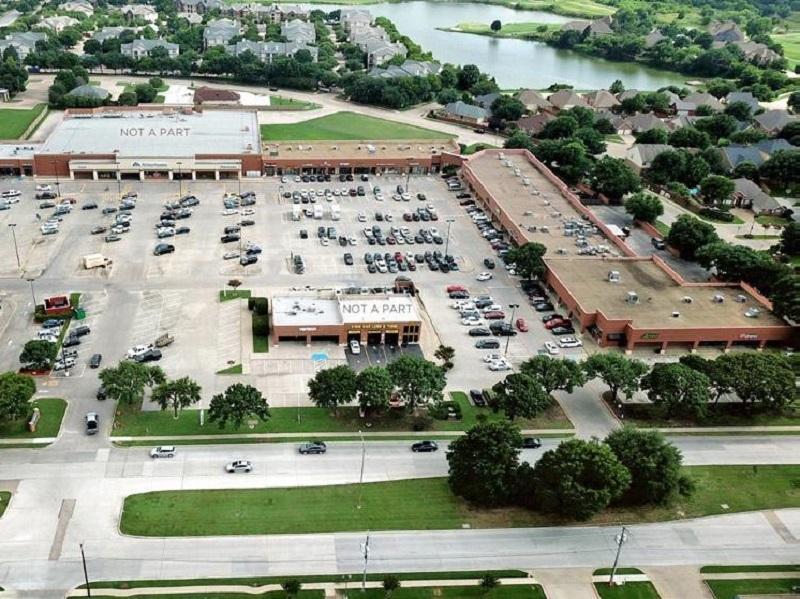 Fossil Creek Plaza. Image courtesy of STRIVE