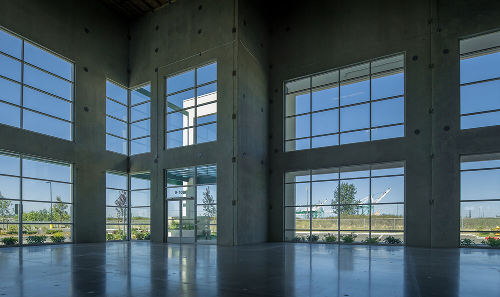 Located south of Seattle, Prologis Park Tacoma, Building D earned WELL certification with elements such as natural daylight and an outdoor walking trail that workers can use during breaks. Image courtesy of Prologis